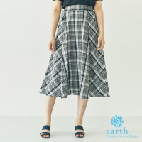 【earth music & ecology】格紋配色膝下長裙(Y0182L20010)