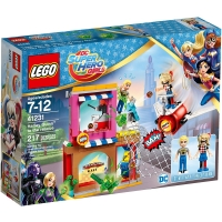 【LEGO 樂高積木】超級女英雄系列-Harley Quinn to the rescue LT-41231
